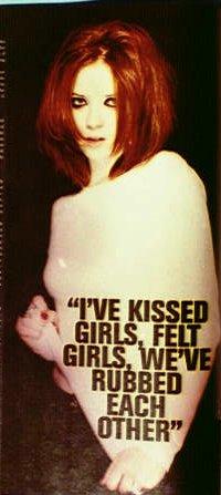 kissedgirls.jpg